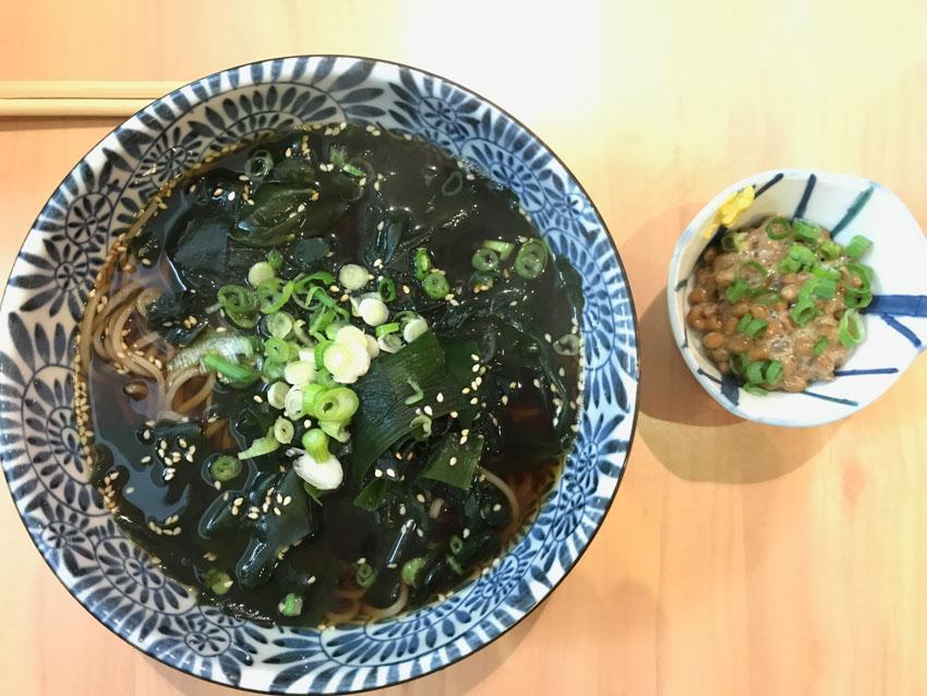 Wakame soba and natto