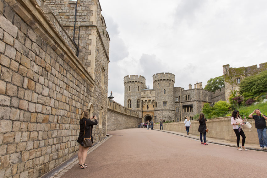 Wide shot of an open walkway in Windsor Castle grounds