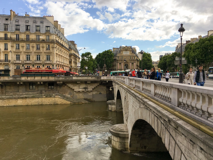A bridge on the River Seine