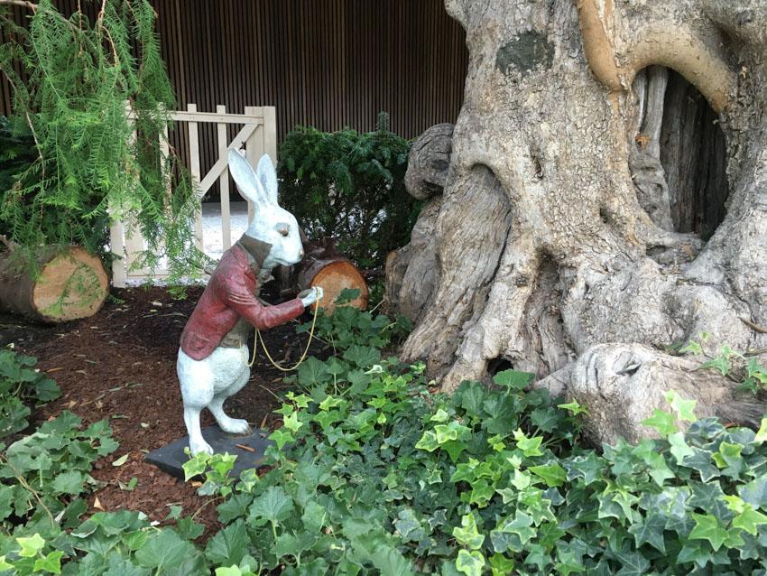 Rabbit (Alice in Wonderland) statue