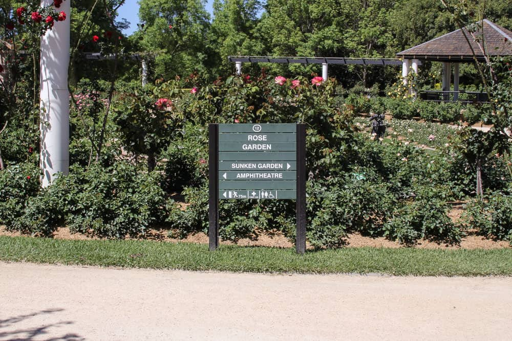 Sign to the rose garden