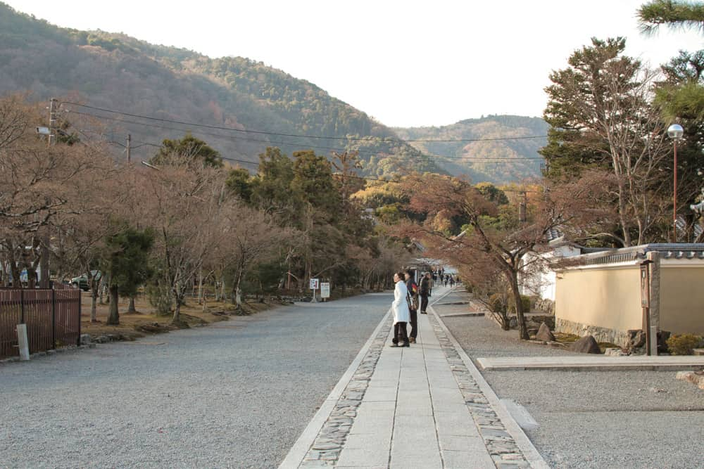 Entering Tenryuji temple