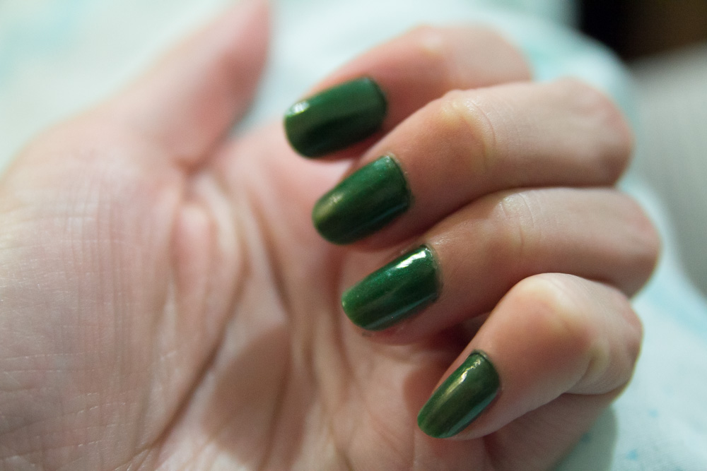 Emerald green nails, yay