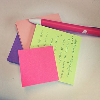 Sticky notes and an Apple pen from Cookie