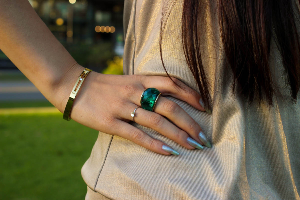 Green ring and other jewellery