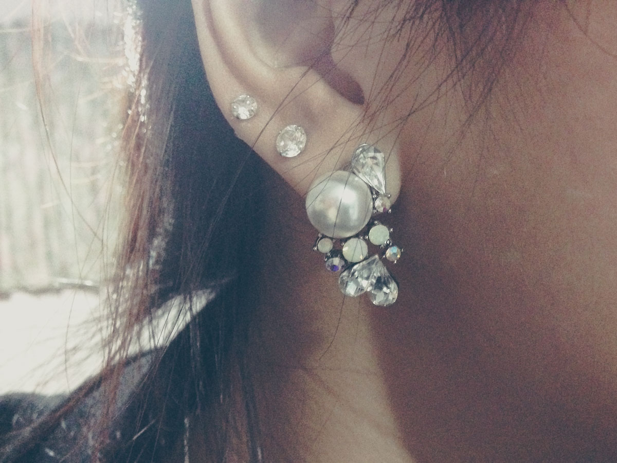 Pearl statement earring – I don't normally wear such chunky earrings